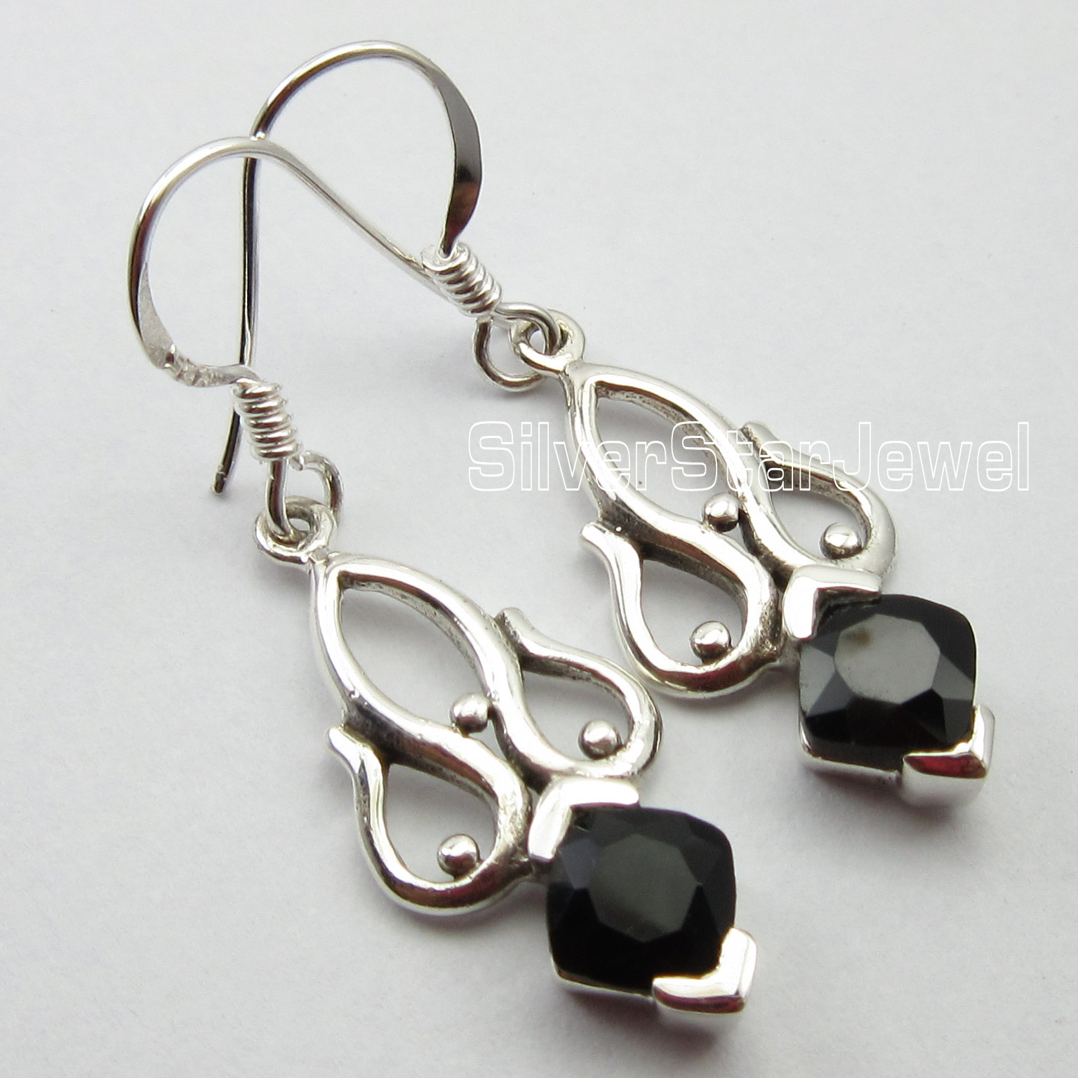 Square-BLACK-ONYX-Gemset-92-5-Pure-Silver-FRENCH-WIRE-Earrings-1-5-Inch